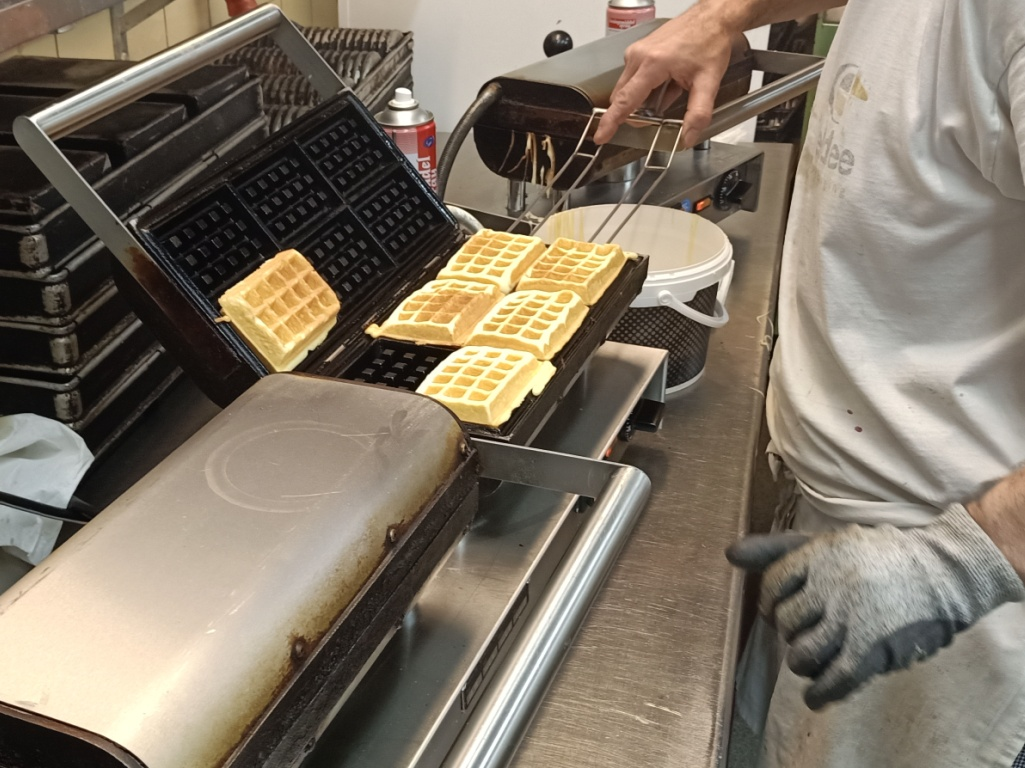 wafels limburg, groothandel vanille cake wafels, bakkerij rob janssen, elsloo inzameling acties, scholen, verenigingen